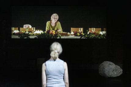 Ursina Lardi, Helga Bedau (im Video)